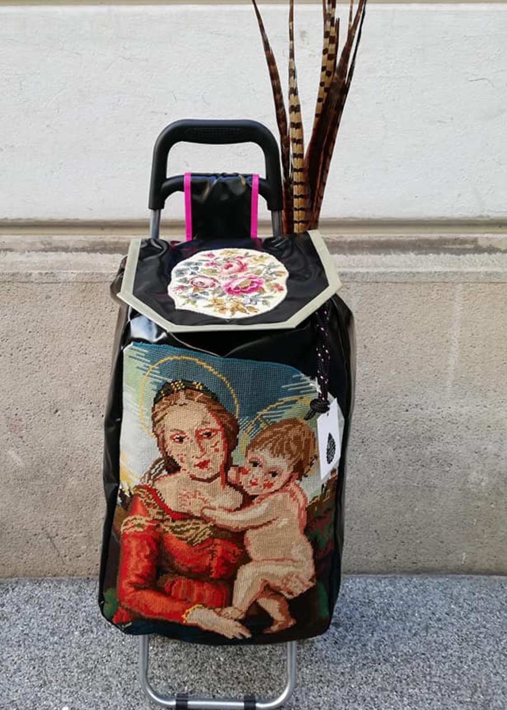 Madonna mit Rosen
